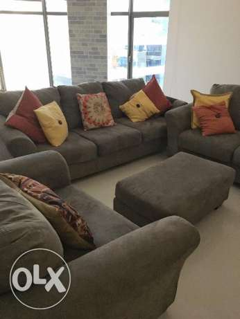 Price drop! 3+2+1+ ottoman American sofa set for sale. Great quality