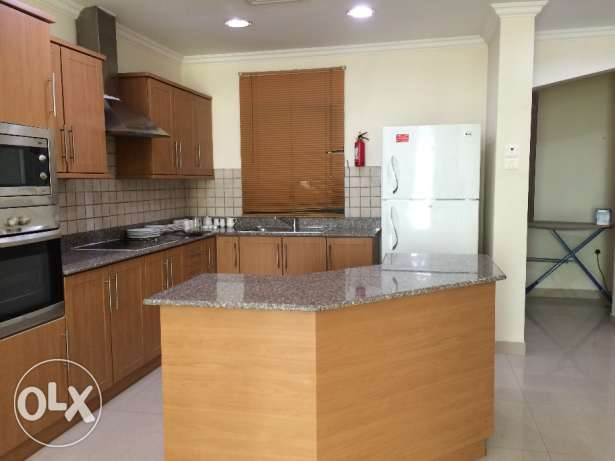 Fully furnished 2 bedroom flat جفير -  2