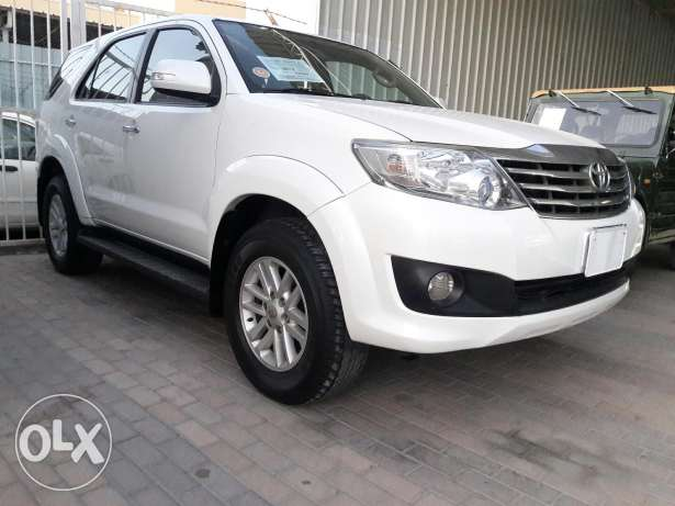 Toyota fortuner SRS v4 2012 model For SALE