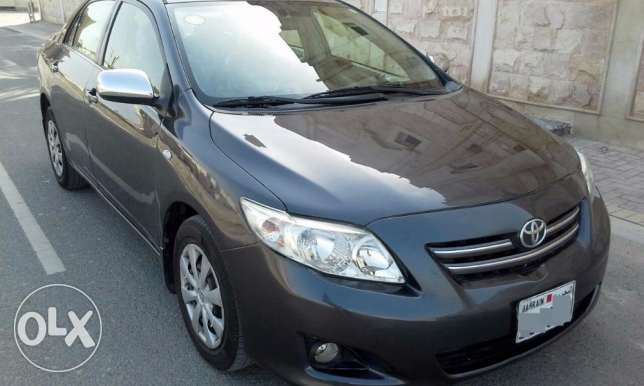 toyota corolla 2010 excellent 1.8 passing & insurance till Nov. 2017