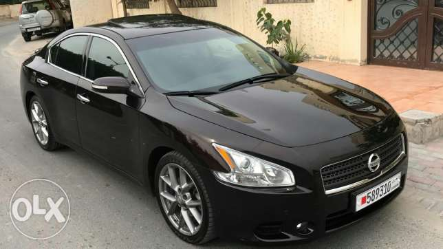 Nissan maxima model 2011 full option+++;
