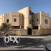 للبيع فيلا في قلالي .. villa for sale in Qalali close to amwaj island