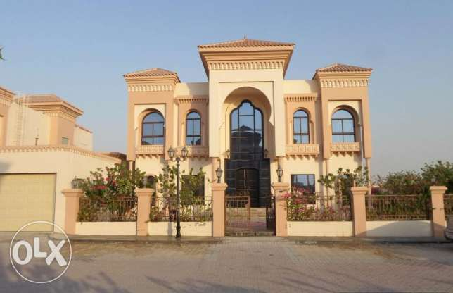 5 Bedroom semi furnished villa for rent close to Saudi Causeway