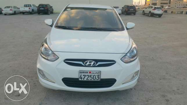 2014 hyundai accent middle option for sale