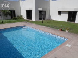 4 Bedroom semi furnished villa for rent with large garden / pool