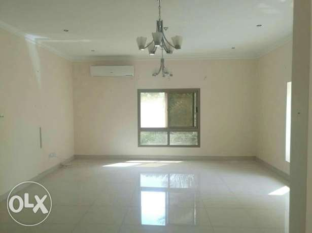 3 bhk spacious semi furnished flat in mahoos bd 500