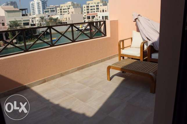 Amazing 3 Bedroom Villa for sale in Amwaj fully furnished جزر امواج  -  8