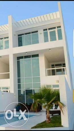 Amwaj: 4 bedroom semi furnished luxury villa for rent