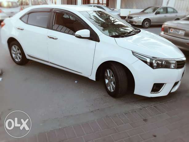 Toyota Corolla se 2.0 model 2014 model for sale