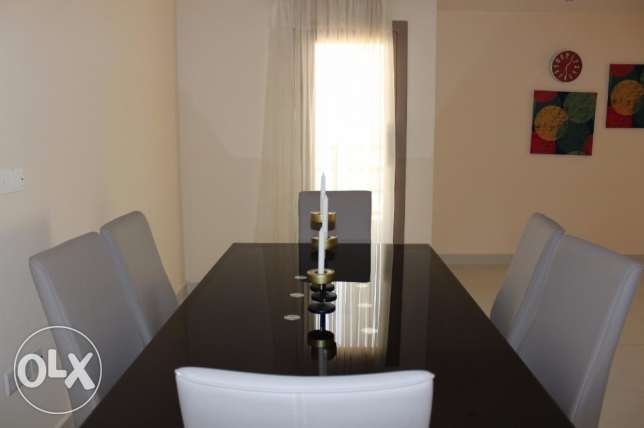 Beautiful 2 bedroom apartment in NEW HIDD/fully furnished جفير -  2