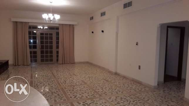 Semi Sea view flat in Tubli / 2 BR / Balcony