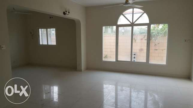 Sanad: 5 BR unfurnished villa for rent on low price