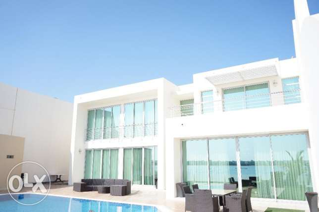 Elegantly furnished 4 BR luxury villa for sale beach side in Durrat الرفاع‎ -  3