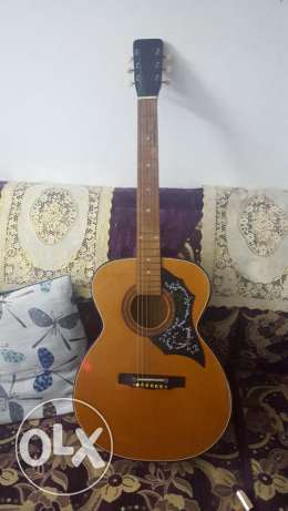 For Sale Guitar in good condition Muharraq - image 1