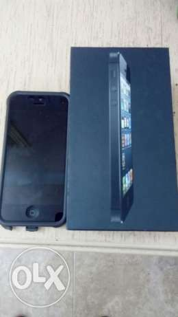 I phone 5 16GB in good condition with all accessories immidiate