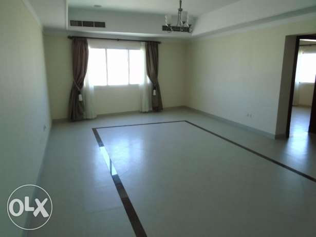 2 Bedroom Bright s/f Apartment in Mahooz