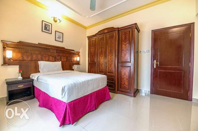 FULLY FURNISHED-CENTRAL AC-2BHK-Pool,gym,internet,house keeping