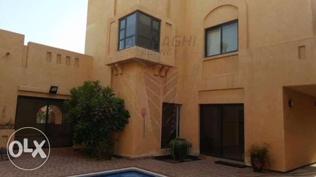 STUNNING ULTRA Modern 4 BR Semi Furnished VILLA in SAAR سار -  2