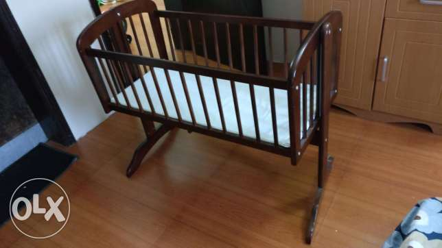 Juniors crib (sparingly used,prestine condition)