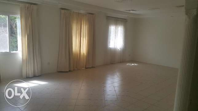 Semi-furnished 3 Bedrooms Villa for Rent in Jannussan Budaiya Highway
