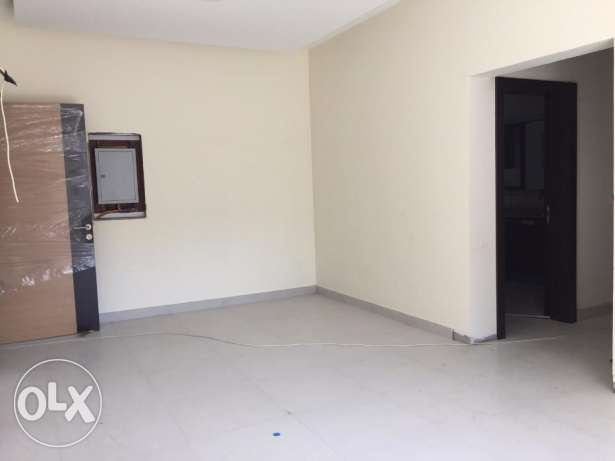 3 + Maid's room flat for sale in Hidd - Easy access to Saudi Highway