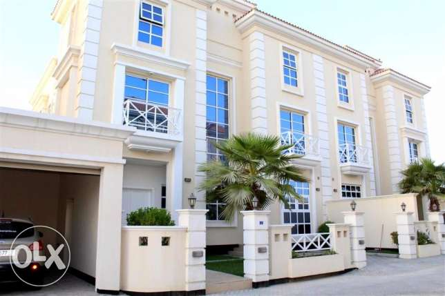 HMA8 4bedrooms semi furnished villa with pool for rent in hamala