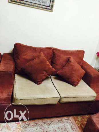 Dinning Table and Sofa Set for sale Excellent condition المنامة -  1