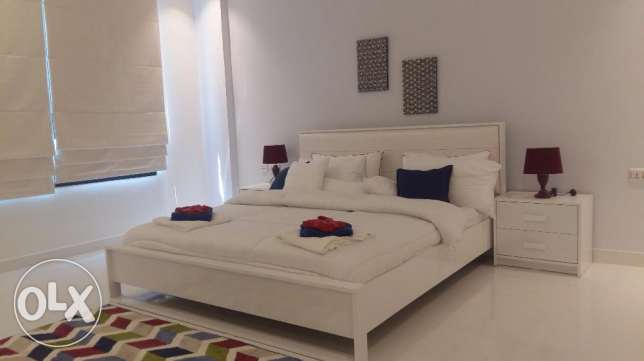 Brand new 2 Bedrooms apartment with modern furniture fully furnished جزر امواج  -  4