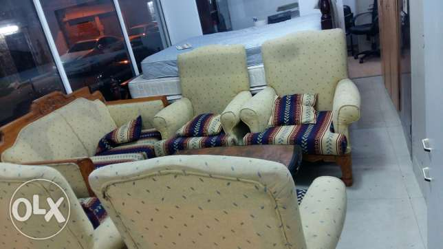 2+1+1+1+1 (6 seating ) seating sofa set for sale free delivery المنامة -  2