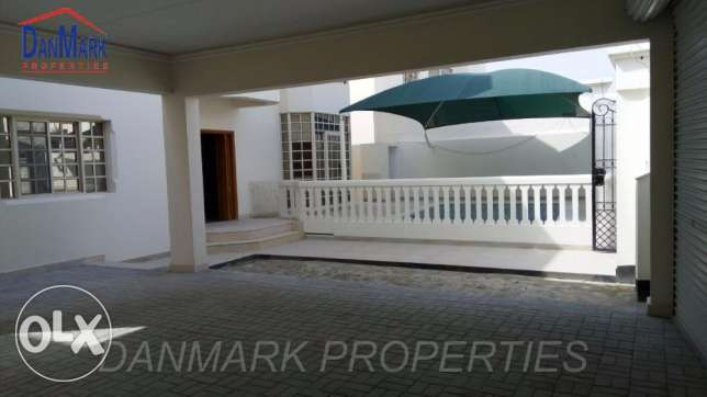 Private Villa 4 Bedroom Semi with Pvt.Pool for rent Tubli