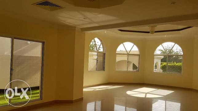 Spacious compound villa for rent in Saar